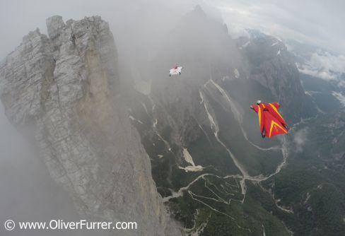 Wingsuit Proximity BASE jumpers