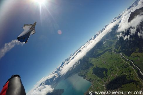 Crossing the lake Thun within a wingsuit