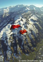 Acrobatic Wingsuit flying together